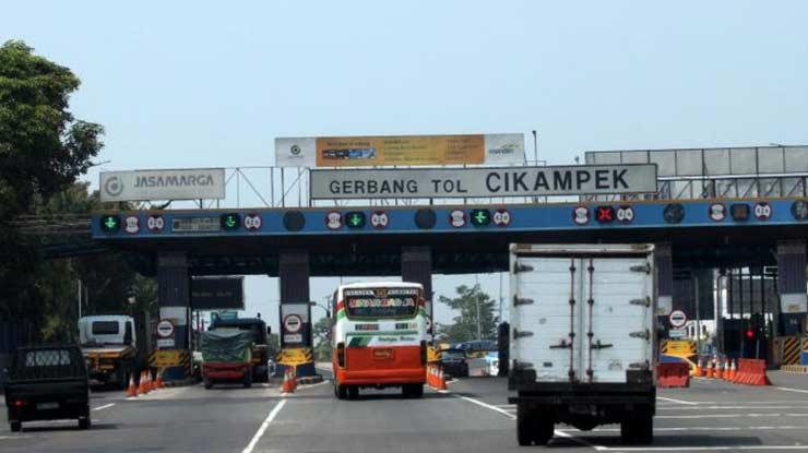 Gerbang Tol Jakarta Semarang