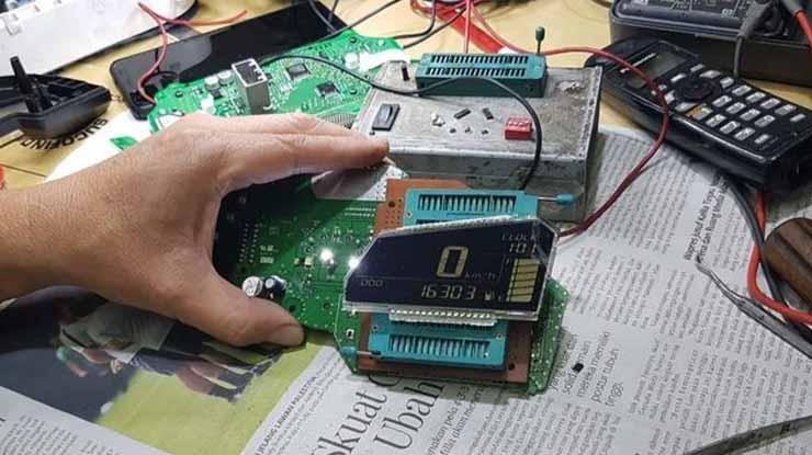 Biaya Perbaikan Speedometer Motor Analog Digital