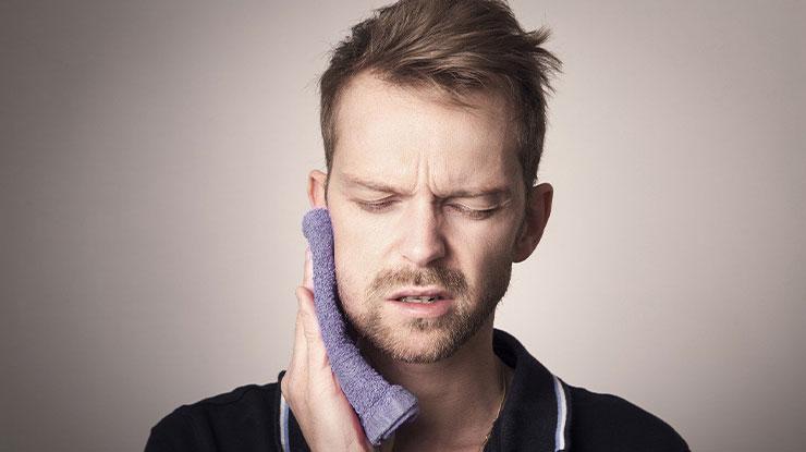 Efek Samping Pasang Behel di Dokter Gigi